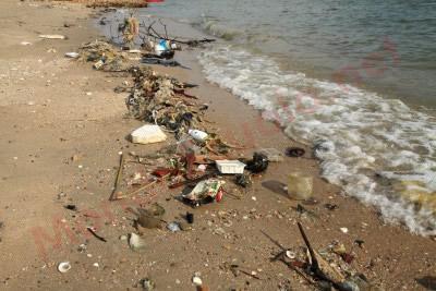 spiaggia-inquinamento.jpg (400×267)